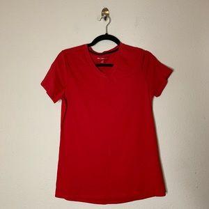 Beachbody Red Go To V Neck Short Sleeve T Shirt